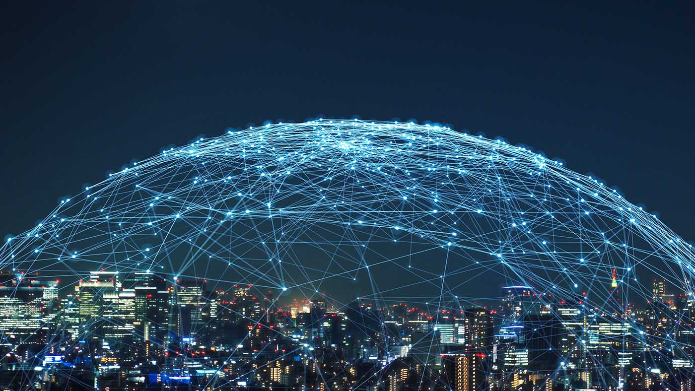 rappresentazione metaforica di una networking infrastructure in una città